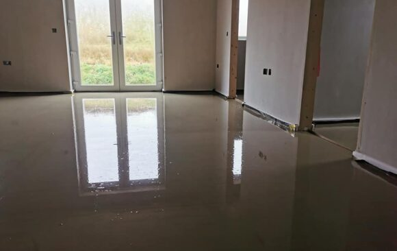160m2 Hemihydrate Liquid Screed at 50 mm | over UFH | Inishowen, Co Donegal