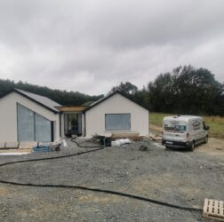 B Doherty Mobile Screed Factory_Wexford_ screed 75mm over UFH